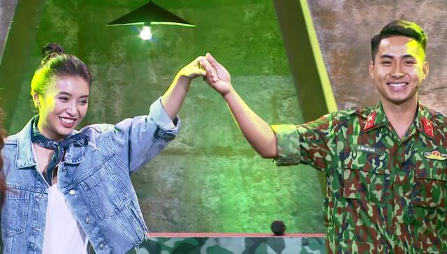 Ca sĩ Tiêu Châu Như Quỳnh kết đôi với chiến sĩ 2020 nhảy vũ điệu Cha Cha Cha - Ảnh 2.