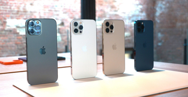 Các cửa hàng không dám nhận cọc vì sức hút khủng khiếp của iPhone 12 Pro Max