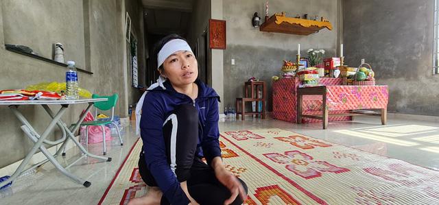 Quảng Bình: Người đàn ông phụ hồ qua đời vì kiệt sức trong lũ dữ, cả xóm nghèo ám ảnh đôi mắt thẫn thờ của 2 đứa trẻ thơ - Ảnh 3.