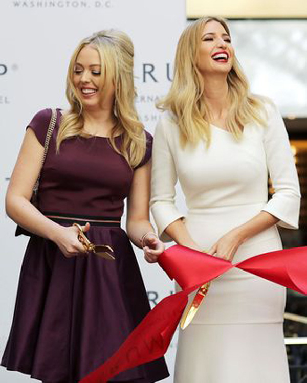 Tài sắc vẹn toàn nhưng 2 ái nữ nhà Tổng thống Donald Trump cũng có lúc bị từ chối tham dự dạ tiệc của giới siêu giàu - Ảnh 6.