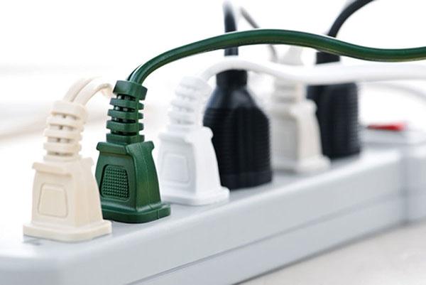 6 sai lầm khi dùng đồ điện trong nhà có thể khiến bạn trả giá bằng cả tính mạng - Ảnh 2.