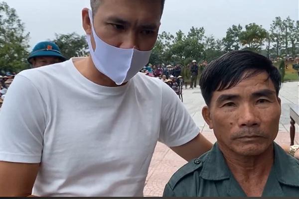 Thủy Tiên, Công Vinh xử lý tình huống bất ngờ khi quay lại Quảng Trị cứu trợ