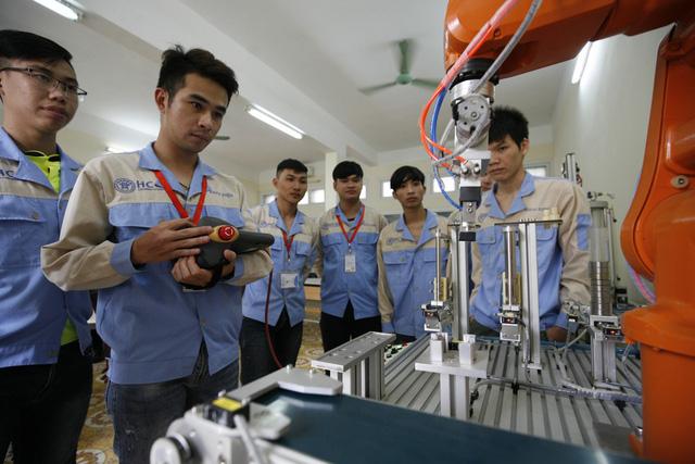 Đến năm 2030 Việt Nam sẽ kết thúc thời kỳ cơ cấu dân số vàng - Ảnh 1.