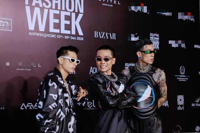 Dàn huấn luyện viên Rap Việt quậy tung thảm đỏ Tuần lễ thời trang quốc tế 2020 - Ảnh 10.