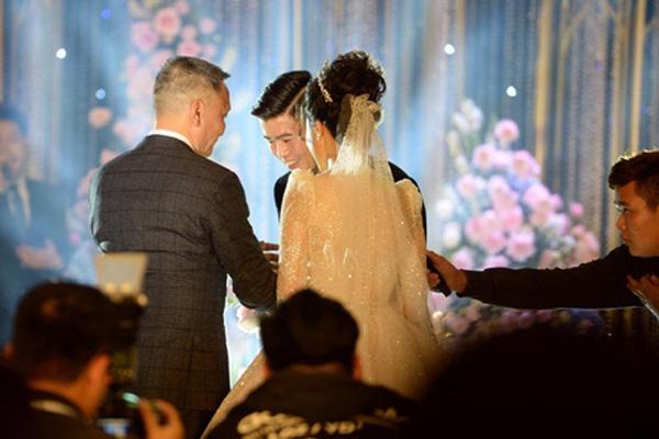 5 điểm ấn tượng trong đám cưới cầu thủ Duy Mạnh và hotgirl Quỳnh Anh - Ảnh 5.