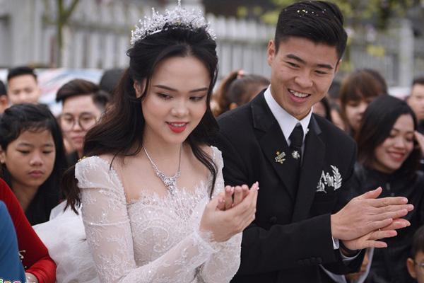 5 điểm ấn tượng trong đám cưới cầu thủ Duy Mạnh và hotgirl Quỳnh Anh - Ảnh 3.