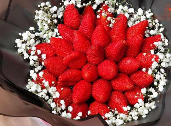 Mãn nhãn với những bó hoa độc, lạ trong ngày Valentine - Ảnh 1.