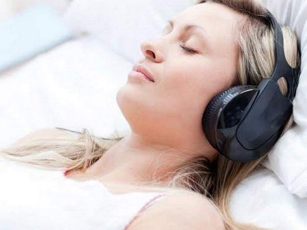 Tai họa khủng khiếp nhiều người trẻ đang gặp khi đeo tai nghe thường xuyên - Ảnh 1.