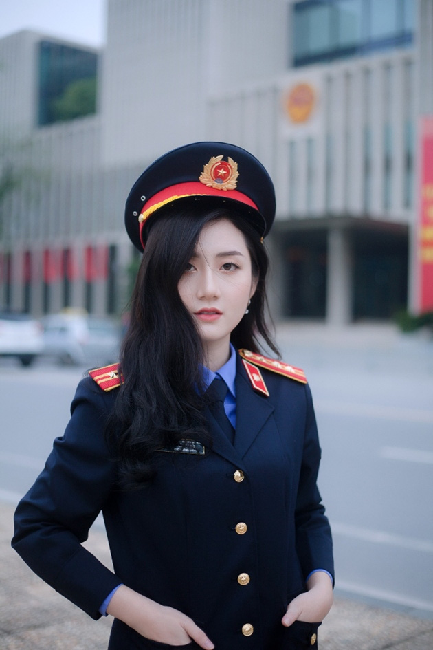 Ngắm vẻ đẹp lấp lánh của hot girl Đại học Kiểm sát Hà Nội - Ảnh 1.