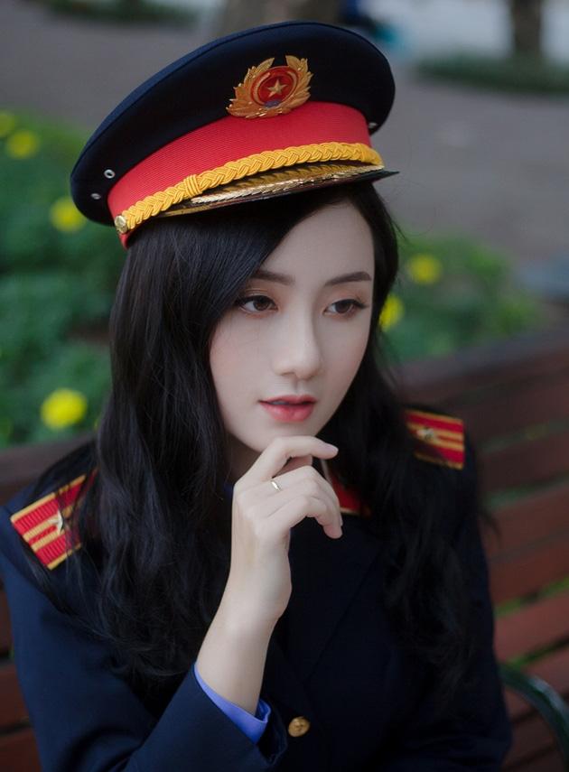 Ngắm vẻ đẹp lấp lánh của hot girl Đại học Kiểm sát Hà Nội - Ảnh 2.