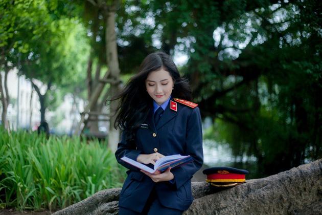 Ngắm vẻ đẹp lấp lánh của hot girl Đại học Kiểm sát Hà Nội - Ảnh 11.