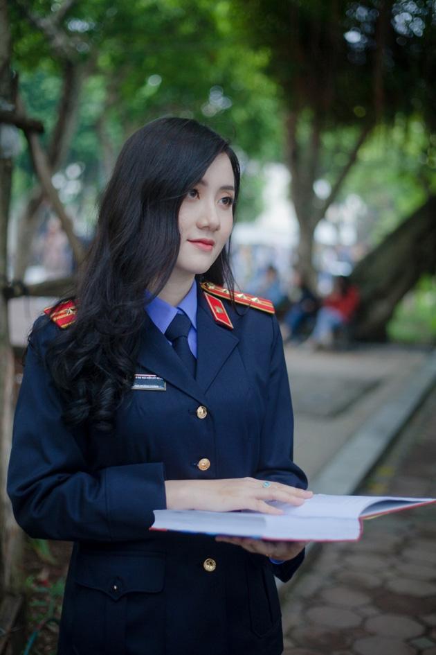 Ngắm vẻ đẹp lấp lánh của hot girl Đại học Kiểm sát Hà Nội - Ảnh 4.