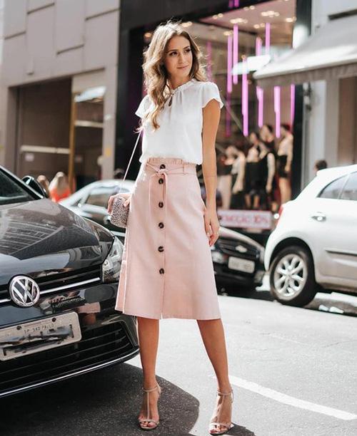 Phối đồ street style cùng chân váy cài nút - Ảnh 8.