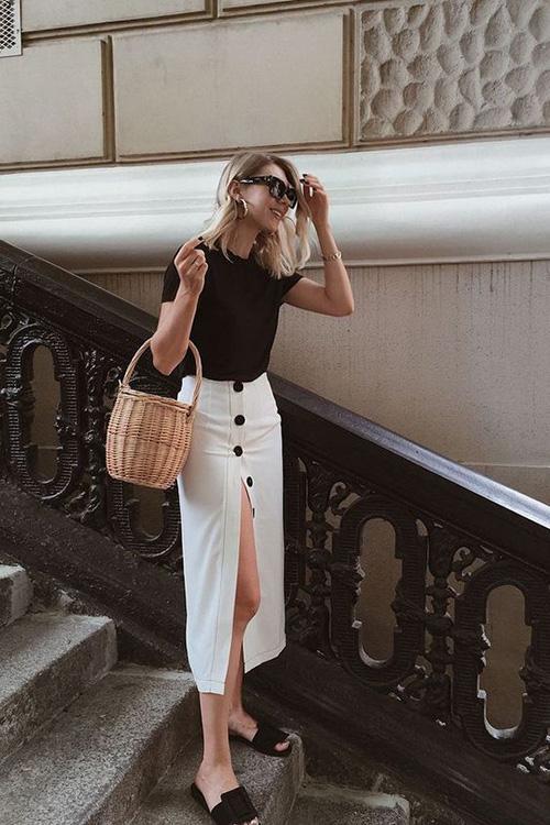 Phối đồ street style cùng chân váy cài nút - Ảnh 9.