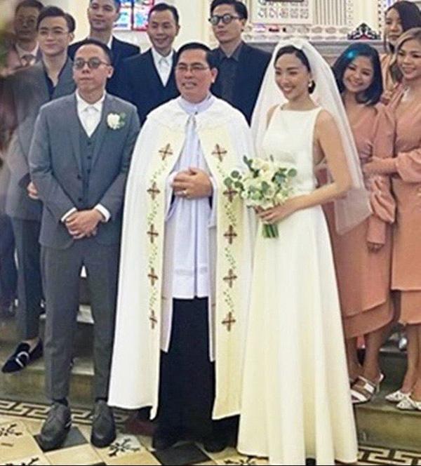 Ảnh cưới hiếm hoi của Tóc Tiên và Hoàng Touliver - Ảnh 2.