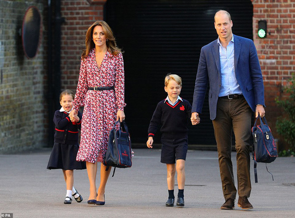 Trường quý tộc của con Hoàng tử  William - Công nương Kate có học sinh nghi nhiễm COVID-19 - Ảnh 1.