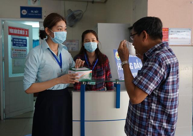 Các bệnh viện ở TP.HCM luôn sẵn sàng ứng phó phòng chống dịch do virus corona - Ảnh 3.