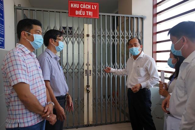 Các bệnh viện ở TP.HCM luôn sẵn sàng ứng phó phòng chống dịch do virus corona - Ảnh 1.