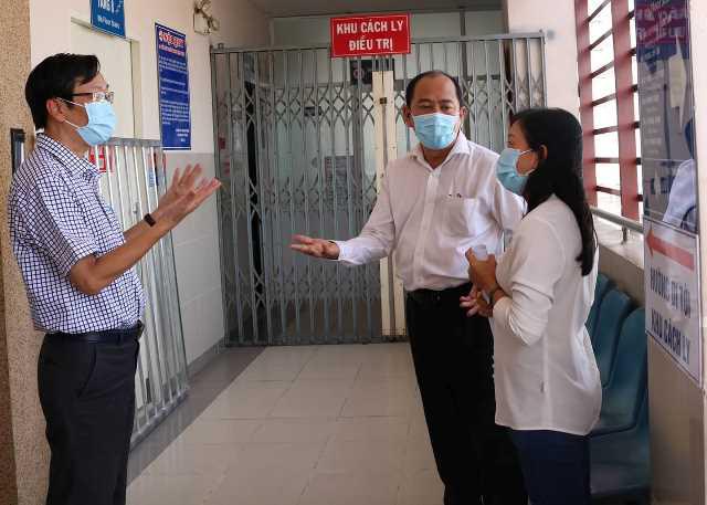 Các bệnh viện ở TP.HCM luôn sẵn sàng ứng phó phòng chống dịch do virus corona - Ảnh 6.