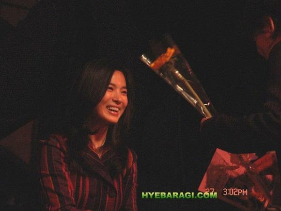 """Nhan sắc thời xưa của Song Hye Kyo bị """"khui"""" lại qua loạt ảnh cách đây hơn 1 thập kỷ  - Ảnh 5."""
