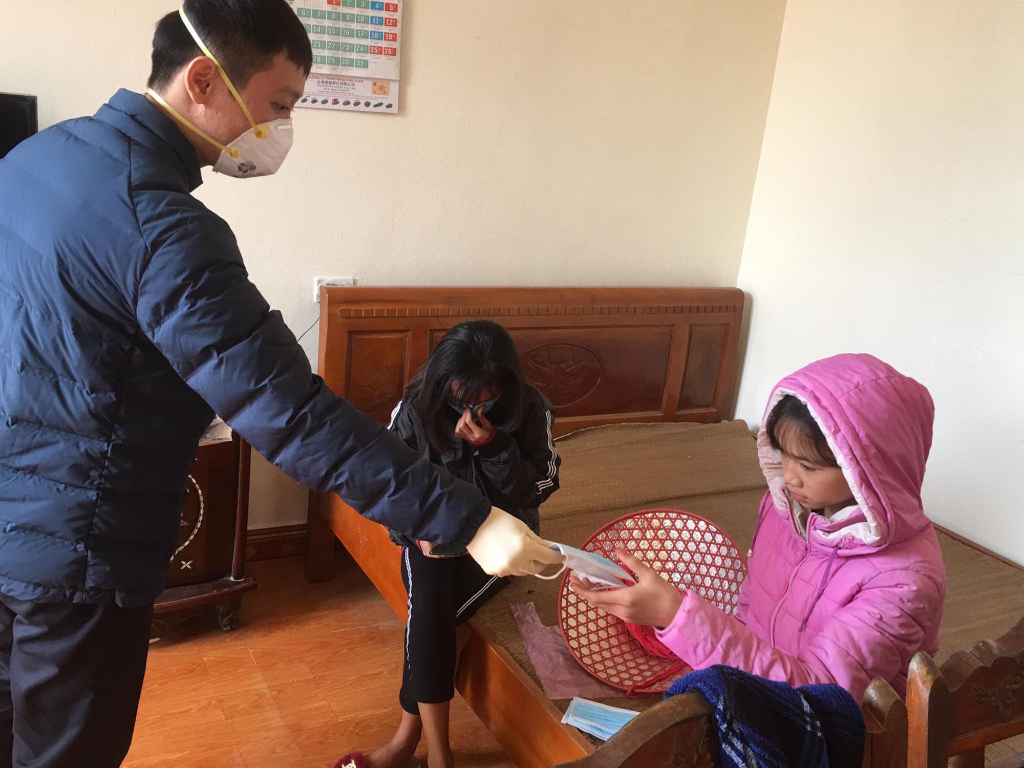 Sức khỏe của cô gái Thanh Hóa nhiễm virus corona sau 2 ngày xuất viện như thế nào? - Ảnh 1.