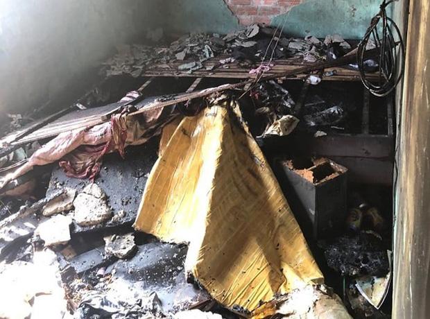 Nhậu say về, người đàn ông hút thuốc gây cháy nhà khiến con trai bị mắc kẹt trên tầng 2 - Ảnh 3.
