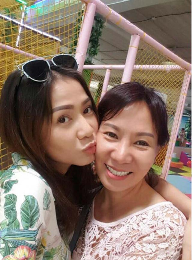 Chị gái Việt kiều hơn 8 tuổi trẻ như sinh đôi với Thu Minh  - Ảnh 3.