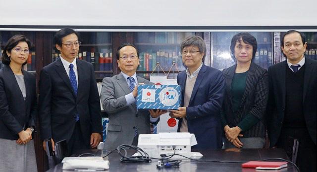 Nhật Bản tặng Việt Nam lô hàng sinh phẩm đáp ứng nhanh với dịch do nCoV - Ảnh 2.