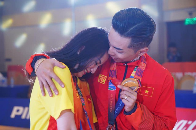 """Khánh Thi nói về việc giữ chồng: """"Một giây cũng phải cẩn thận""""  - Ảnh 2."""