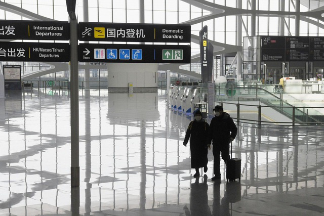 Giá vé máy bay Trung Quốc rẻ hơn một ly cà phê - Ảnh 1.