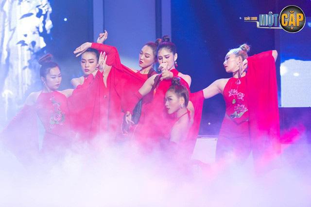 Trời sinh một cặp: MC Thu Hoài nhận điểm 10 từ giám khảo với mashup Bánh trôi nước - Túy âm - Ảnh 6.