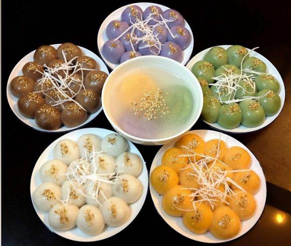 Thị trường bánh trôi bánh chay Tết Hàn thực năm nay có gì lạ? - Ảnh 1.