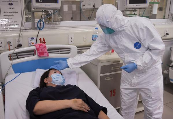 Xét nghiệm sàng lọc toàn bộ nhân viên y tế Bệnh viện Bạch Mai - Ảnh 3.