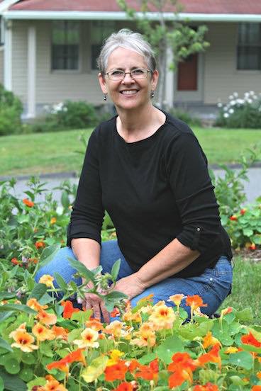 Khu vườn đủ loại rau quả đẹp như tranh của người phụ nữ trồng trọt từ năm 16 tuổi đến 63 tuổi - Ảnh 5.