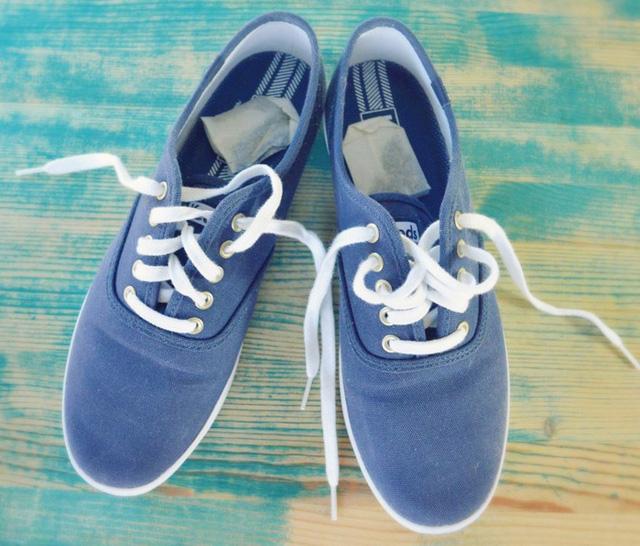 Giày hôi khiến bạn mất tự tin và khó chịu, xử lý đơn giản nhờ những thứ không ngờ có sẵn trong nhà - Ảnh 2.