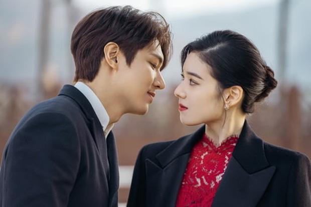 Lee Min Ho hôn nữ thủ tướng trong Quân vương bất diệt - Ảnh 1.