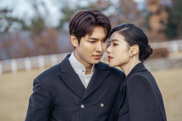 Lee Min Ho hôn nữ thủ tướng trong Quân vương bất diệt - Ảnh 2.