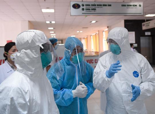 Niềm hi vọng từ lâu với bác gái bệnh nhân 17 mắc COVID-19 sắp thành hiện thực - Ảnh 3.