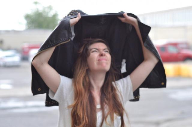 Tất tần tật những mẹo xử lý quần áo giúp bạn tiết kiệm cả đống tiền, không phải mang ra tiệm hay mua đồ mới - Ảnh 6.