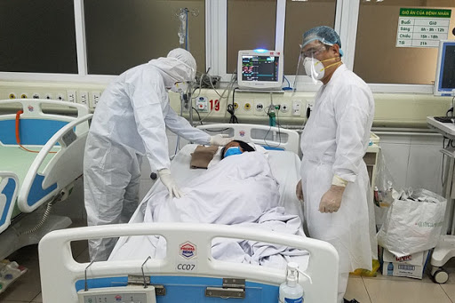 Virus SARS-CoV-2 liên tục biến đổi, Bộ Y tế ban hành hướng dẫn chẩn đoán và điều trị COVID-19 lần thứ 5 - Ảnh 3.