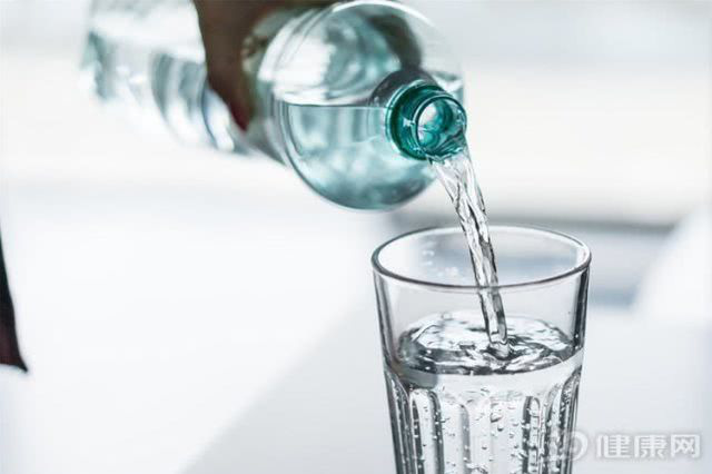 Uống nước trong 3 khoảng thời gian này có thể đem đến lợi ích vàng cho sức khỏe - Ảnh 1.