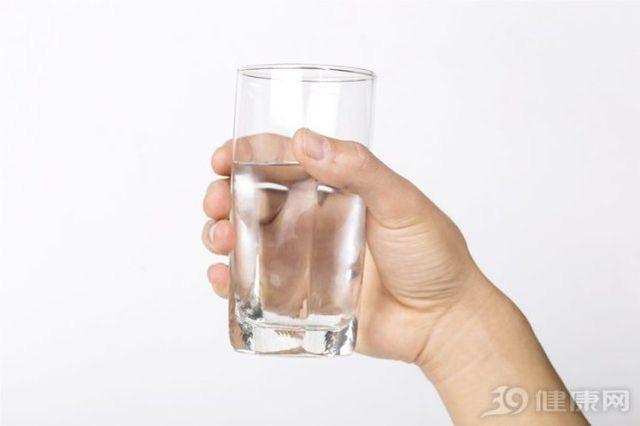 Uống nước trong 3 khoảng thời gian này có thể đem đến lợi ích vàng cho sức khỏe - Ảnh 2.
