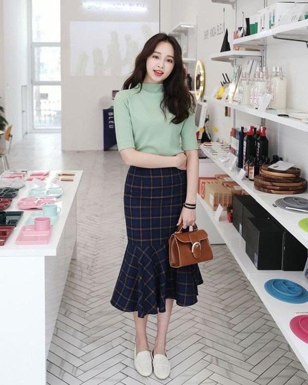Chọn đúng kiểu chân váy giấu đùi cột đình hoàn hảo, nàng công sở tự tin khoe vóc dáng - Ảnh 11.
