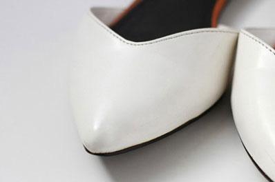 Bôi nước tẩy sơn móng tay lên chiếc giày da yêu thích nhưng bị xước tùm lum, kết quả sau đó sẽ khiến bạn phải ngạc nhiên - Ảnh 6.