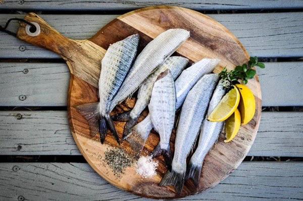 Cá là loại thực phẩm nổi tiếng ngon bổ nhưng có 5 loại cá không nên ăn vì cực nguy hiểm, có thể gây ngộ độc và cả ung thư - Ảnh 3.