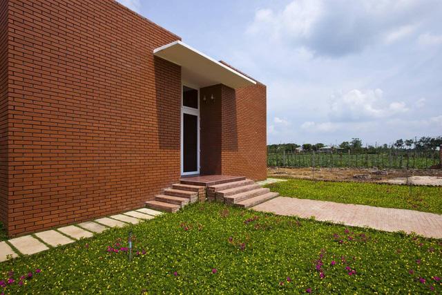 """Nhà vườn rộng 90m2 ở Đồng Nai gây """"sốt"""" vì xây dựng chỉ 500 triệu đồng - Ảnh 1."""