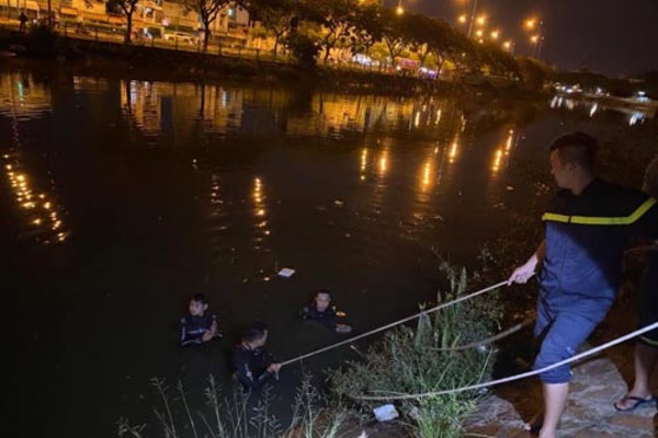 Hai cô gái nhảy cầu tự tử sau cuộc cãi vã, một người tử vong - Ảnh 1.