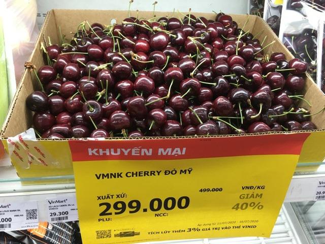 Cherry nhập khẩu rẻ chưa từng thấy, chỉ 299.000 đồng/kg bán đầy siêu thị - Ảnh 1.