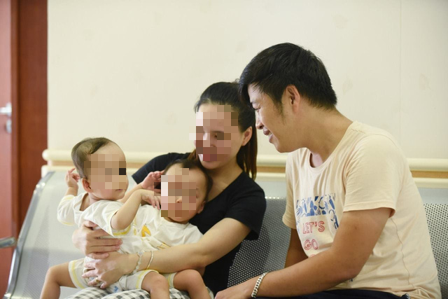 Ca đại phẫu thuật tách cặp song sinh: Tỷ lệ cứu sống là 74% - Ảnh 1.