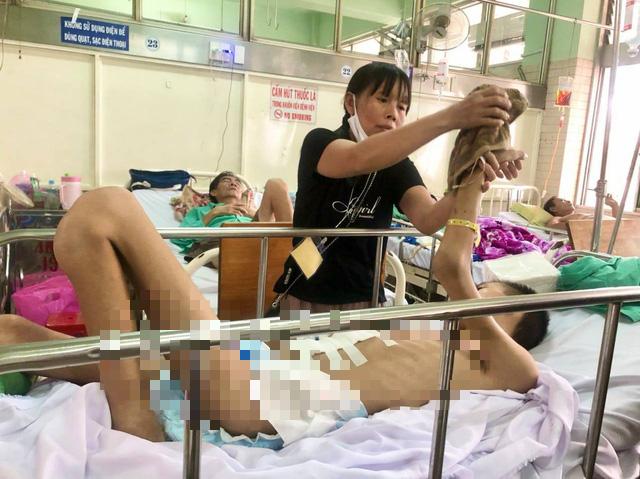 Sự sống mong manh của chàng trai bị tai nạn nguy kịch không có tiền chữa trị - Ảnh 2.